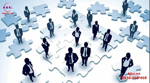 Thông tin hiệu quả và họp nhóm